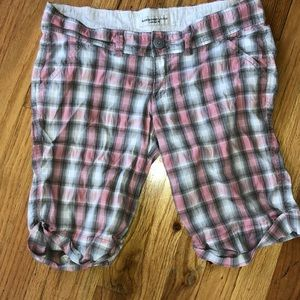 Abercrombie & Fitch knee shorts